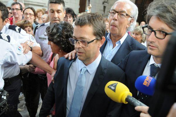 Nicolas Bonnemaison accompagné de safemme Julie et de ses avocats Maitres Benoit Ducos-Ader et Arnaud Dupin le 25 juin 2014