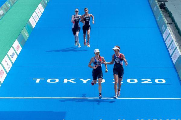 Pour leur première participation, Annouck Curzillat et sa guide Céline Bousrez ont remporté la médaille de bronze au para-triathlon