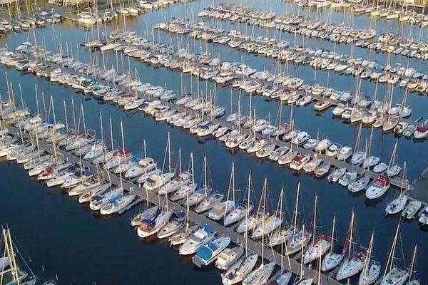Le Grau-du-Roi Port Camargue - 1er port de plaisance d'Europe - archives