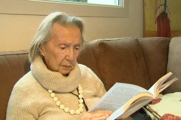 Henriette, 93 ans vient de publier son premier roman