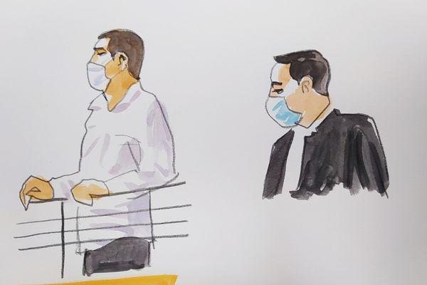 Albi - Laurent Dejean et son avocat maître Karim Chebbani devant les Assises du Tarn. Juin 2021.
