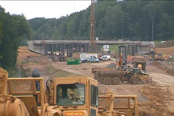 Un chantier de mise à deux fois deux voies a été lancé il y a plusieurs années sur la Route Centre Europe Atlantique, qui traverse la France d'Est en Ouest en passant par la Saône-et-Loire.