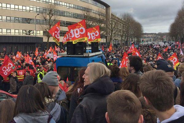 Départ d'une manifestation contre la réforme du code du travail à Rouen le 9 mars 2016