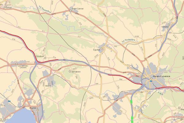 Beaucoup de bouchons sur l'A8 aux alentours d'Aix-en-Provence et sur l'A7 avant le péage de Salon-de-Provence.
