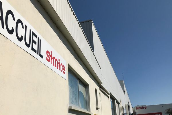 L'entreprise de mobilier scolaire et de restauration Simire se trouve à Mâcon.