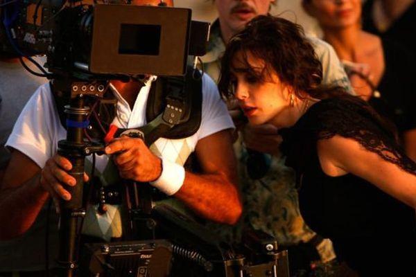 """La réalisatrice Nadine Labaki sur le tournage du film """"Et maintenant on va où ?"""""""