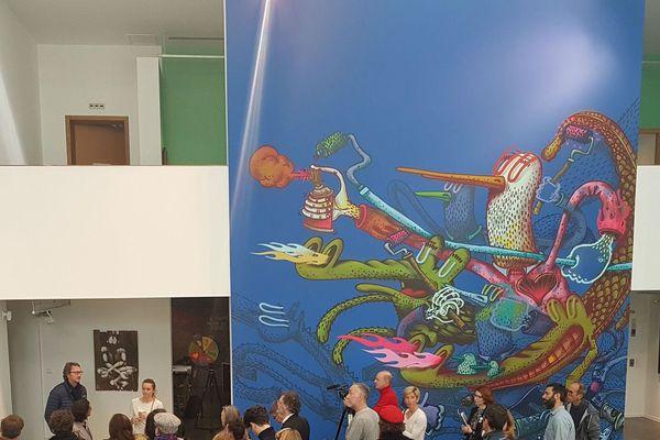 L'oeuvre Conquête Urbaine d'Alexöne est l'emblème de l'exposition.