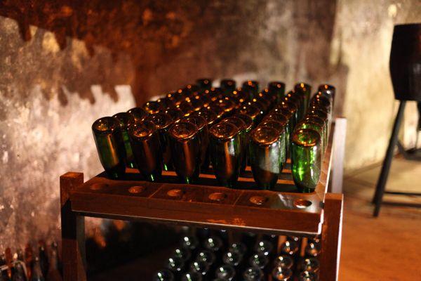 """Certaines vignerons tentent de """"sauver les meubles"""", mais le volume de vente en Champagne sera moindre avec le confinement."""