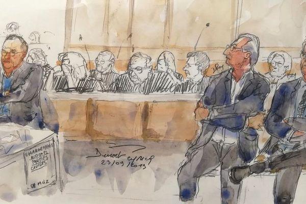 Un croquis du tribunal réalisé le 23 septembre 2019 au palais de justice de Paris montre (de gauche à droite) l'actuel directeur de l'Agence nationale de sécurité du médicament (ANSM) Dominique Martin, l'ex-numéro 2 des laboratoires Servier Jean-Philippe Seta et le vice-président recherche et développement Emmanuel Canet lors du procès du Mediator.