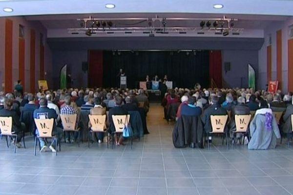 Meeting du Parti communiste à Montmarault, Allier