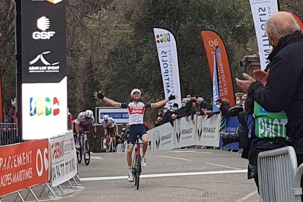 Le Néerlandais Mollema gagne la 1ère étape de ce Tour des Alpes-Maritimes et du Var.