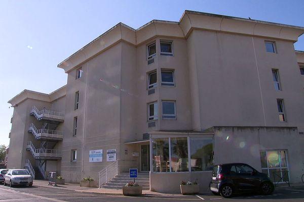 Palavas (Hérault) - la résidence-retraite, les reflets d'argent, où 33 résidents et 6 personnels sont positifs au Covid. Il y a eu 3 décès - 29 juillet 2021.