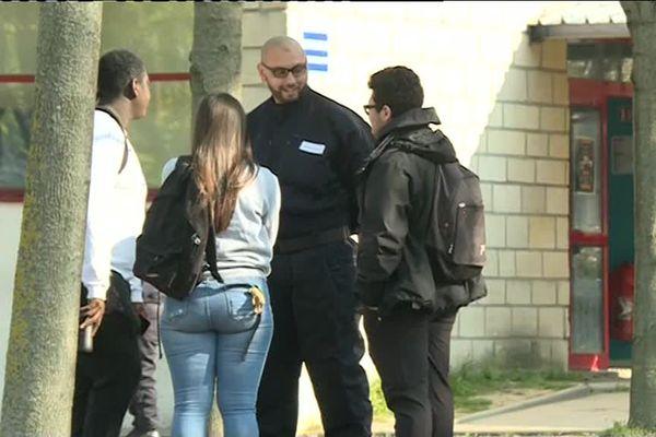 Depuis le 8 avril des agents de la brigade régionale de sécurité des lycées sont déployés à Saint-Denis.
