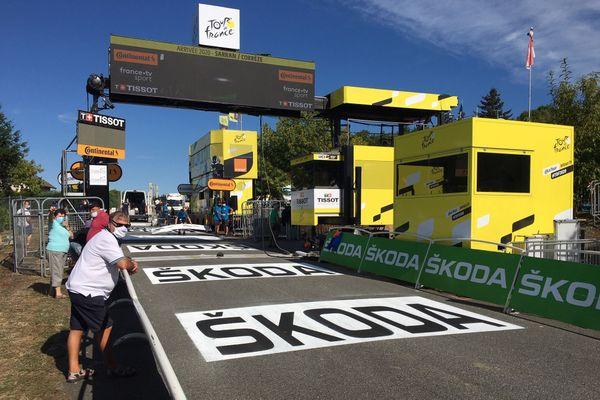 La ligne d'arrivée de la 12e étape de Tour de France, 10 septembre 2020
