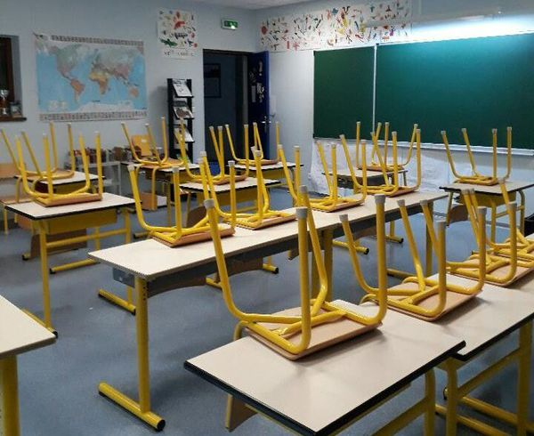 ILLUSTRATION/ Les cas confirmés dans les écoles insulaires se multiplient.