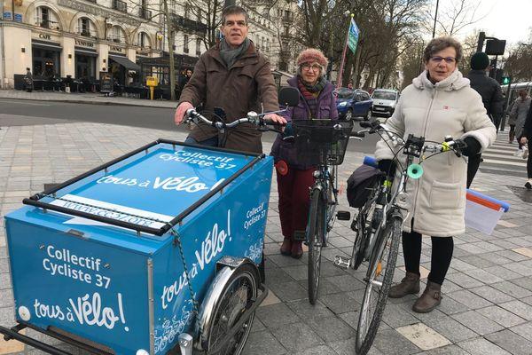 """Avant confinement, le Collectif Cycliste 37 """"Tous à vélo !"""" à Tours"""