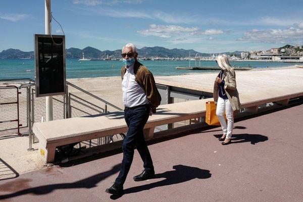 Port du masque ou pas sur la Croisette à Cannes ?