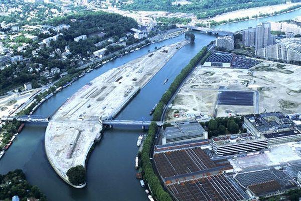 En friche depuis le départ du constructeur automobile en 1992, l'Ile Seguin, 11,5 ha, est devenue un véritable enjeu municipal.