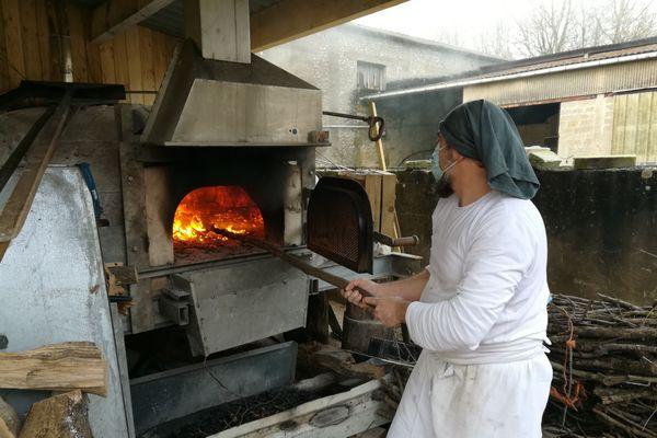 Guillaume de Bretagne peut enfourner jusqu'à 70 pains