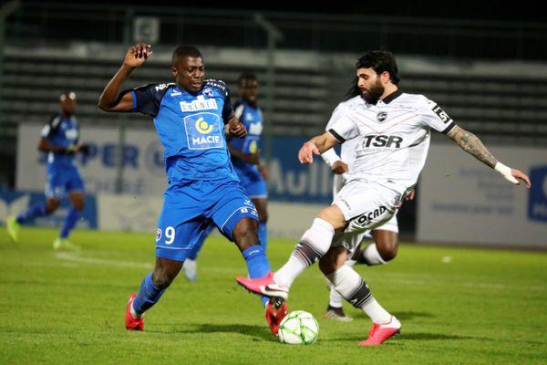 La dernière rencontre des Chamois avec Valenciennes remonte au 21 février 2020 à Niort