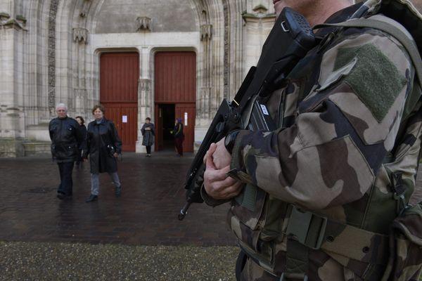 Tous les lieux de culte d'Occitanie, synagogues, mosquée et églises, comme ici à Toulouse, ont vu leur protection renforcée après l'attentat de Nice.
