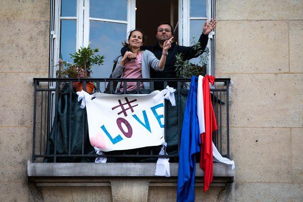 """Une proposition pour faire un peu plus que leur dire """"merci"""" aux balcons."""