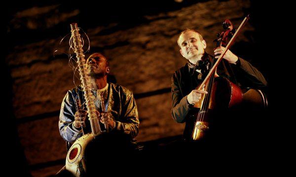 Ballaké Sissoko et Vincent Ségal attendent le public le 18 juillet pour une conversation musicale.