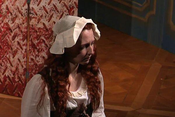"""La comédienne Maddy Dubois interprète le personnage de Rosalie Lamorlière dans la pièce de théatre """"La dernière étreinte"""" - Octobre 2019"""