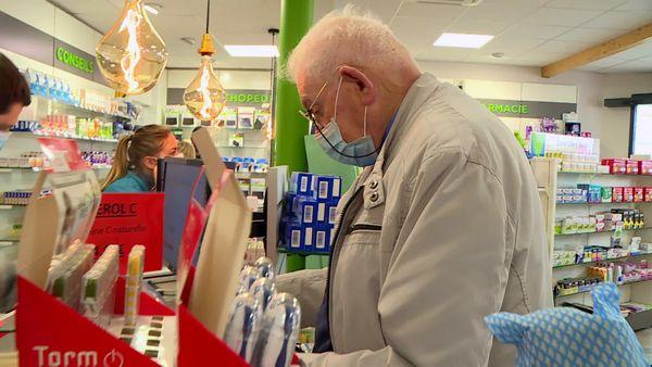 """Un poste de """"téléconsultation"""" pourrait être ouvert dans la pharmacie du village dès le mois prochain. C'est la solution envisagée par la pharmacie et la mairie, faute de mieux"""