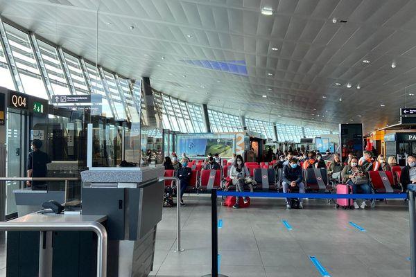 Déconfinement : la vie reprend peu à peu à l'aéroport de Lyon Saint-Exupéry
