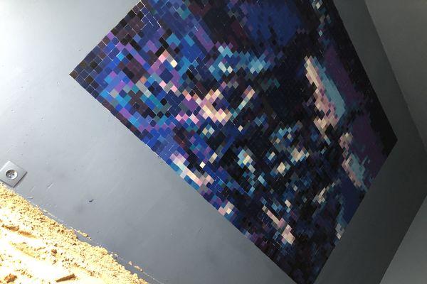 Derrière ce tableau en pixel art de Jank se cache une œuvre classique.