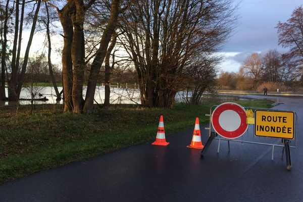 Route sous l'eau à la sortie de Krautwiller