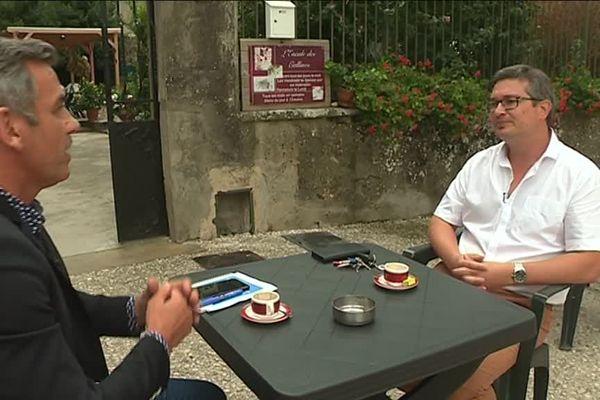 Olivier Michel est allé à la rencontre d'Aurélien Fernay, maire (PS) de Moras-en-Valloire (Drôme)