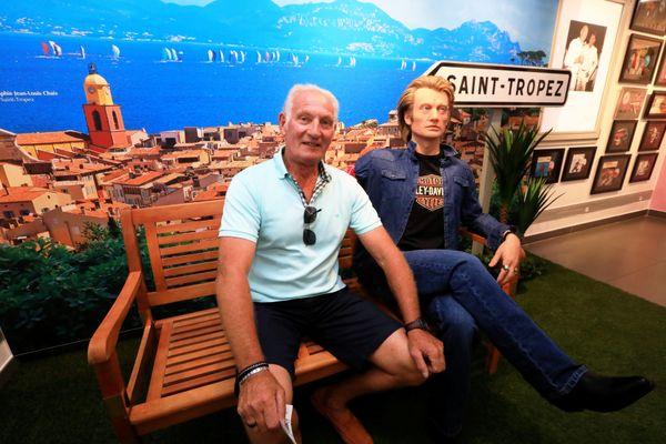 """L'exposition """"Johnny Hallyday à Saint-Tropez"""" qui retrace les années tropéziennes du célèbre rockeur. l'occasion aussi d'un selfie !"""