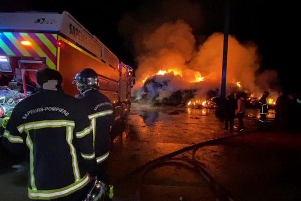 Un incendie a touché, ce lundi 22 mars, le service d'ordures ménagères AM Environnement, à Biguglia (Haute-Corse).