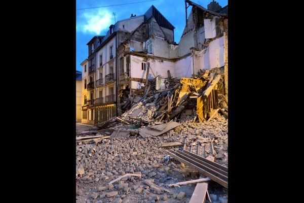 L'immeuble situé au 40 rue Saint-Rémy à Dieppe s'est effondré vers 18h30 mardi 12 octobre 2021.