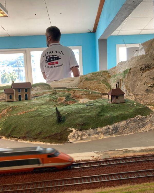 l'association LEDO-RAIL préserve la mémoire des petits trains JOUEF made in Jura