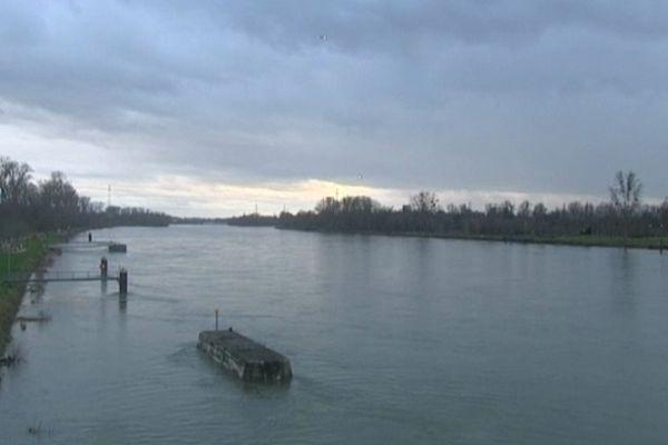 Le Rhin, ici à Kehl, a été placé en vigilance jaune