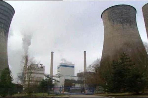 La centrale à charbon Emile Huchet à St Avold en Moselle emploie 135 personnes.