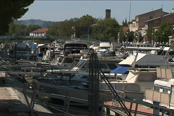 325 bateaux ont jeté l'ancre à Beaucaire.