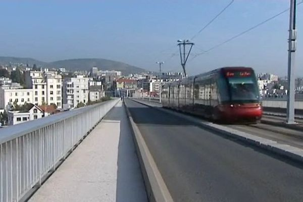 Le viaduc Saint-Jacques sera fermé pendant 5 mois à partir d'avril 2016.