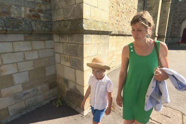 Marceau et sa maman, à la sortie de l'école