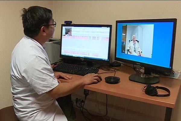 Une consultation en télémédecine, vue du côté du spécialiste.