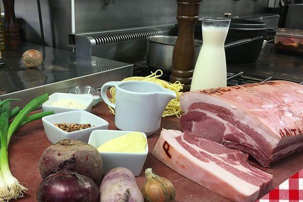 Les ingrédients de la carbonara de côte de cochon d'antan