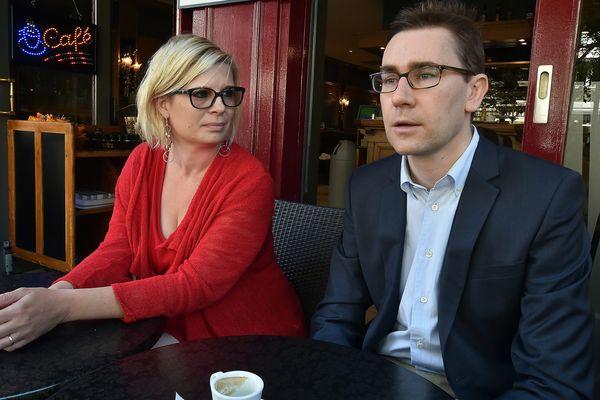 Les chefs de file, candidats du Parti de Gauche aux régionales pour le Nord Pas-de-Calais Picardie, Marie-Laure Darrigade et Laurent Matejko.