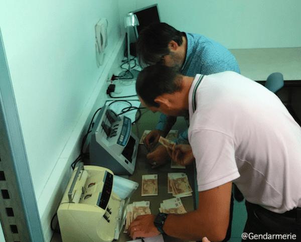 Plusieurs dizaines de milliers de faux euros ont été saisis par les enquêteurs