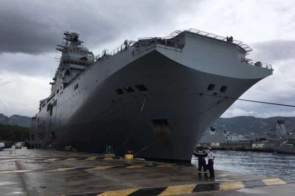 Le porte-hélicoptères Tonnerre à quai à Toulon le jeudi 10 septembre 2020.