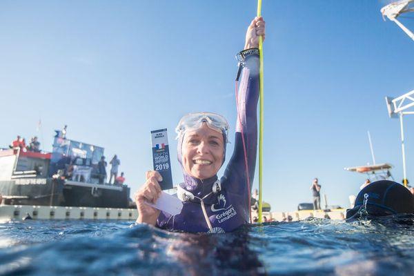 Alice Modolo a réussi sa plongée à - 87 mètres