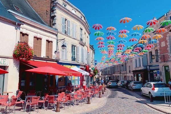 Les dimensions des terrasses des bars de la ville haute de Laon n'assureront pas forcément leur rentabilité dès le 19 mai.