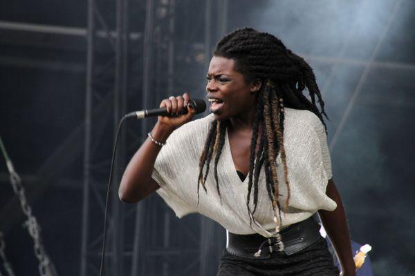 Oma, chanteuse de The NoFace